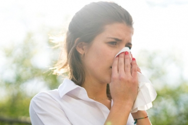 How to Differentiate between Common Cold, COVID-19 in Monsoon