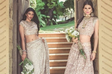 Feeling Difficult to Find Indian Bridal Wear in United States? Here's a Guide for You to Snap up Traditional Wedding Wear